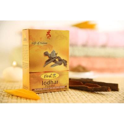 Naturalny peeling dla cery trądzikowej - Lodhar Hesh