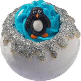 Bomb Cosmetics Musująca kula do kąpieli - Przygarnij pingwina